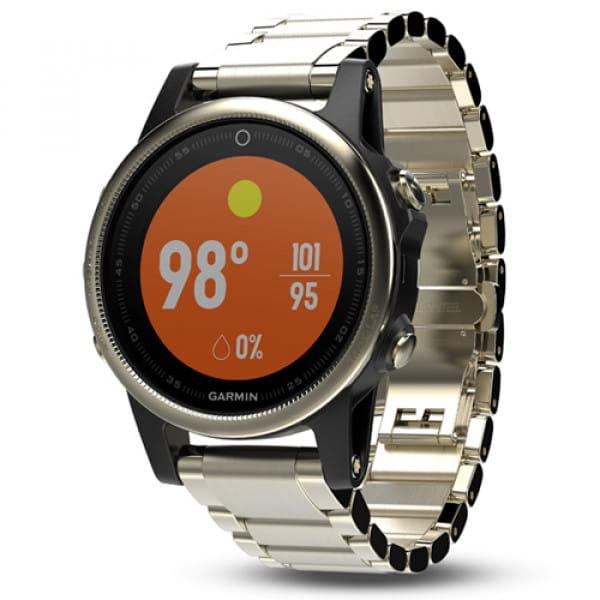 Умные часы золотистые с металлическим браслетом Garmin Fenix 5s Sapphire